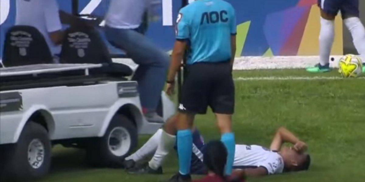 'Carrito de las desgracias' pisa a futbolista lesionado