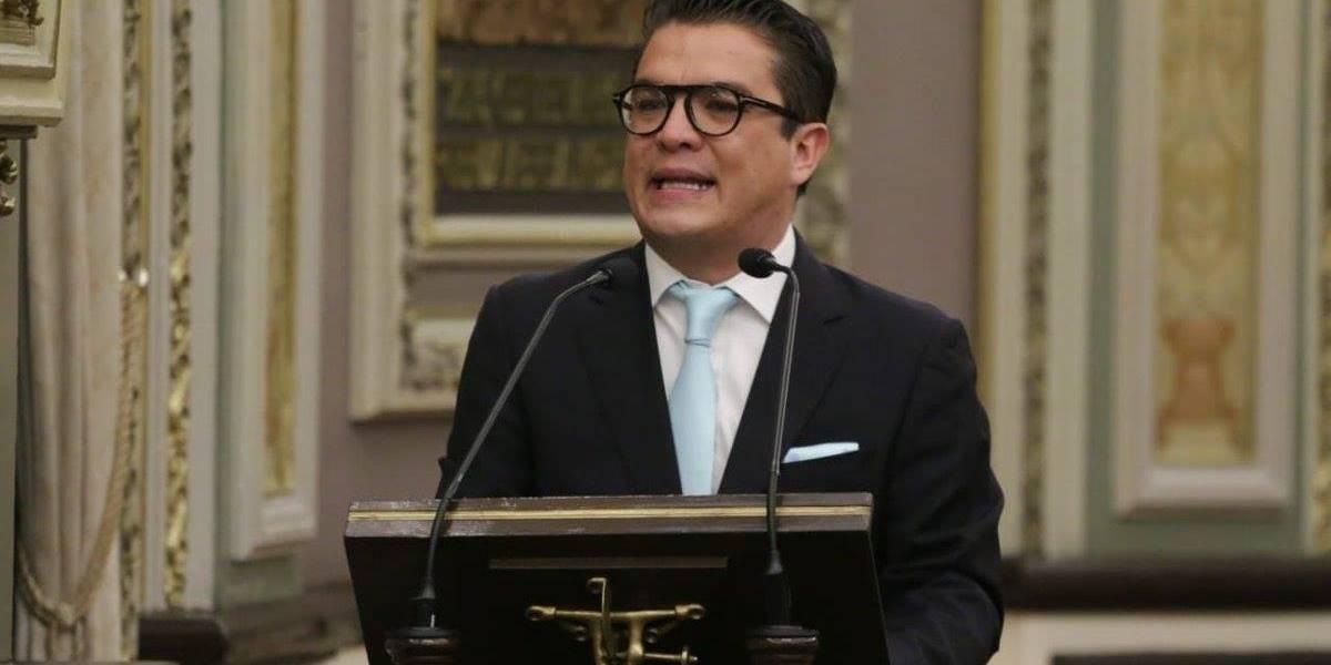 Diputado pide licencia para buscar gubernatura interina de Puebla