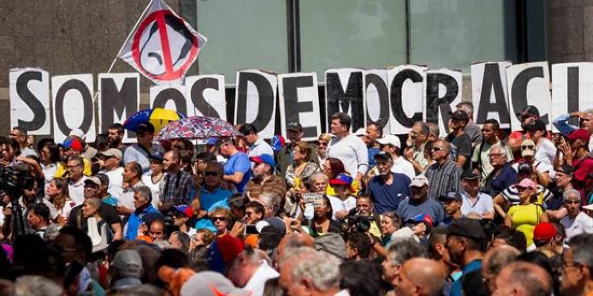 Polémica por tuit de Gustavo Petro en medio de crisis en Venezuela