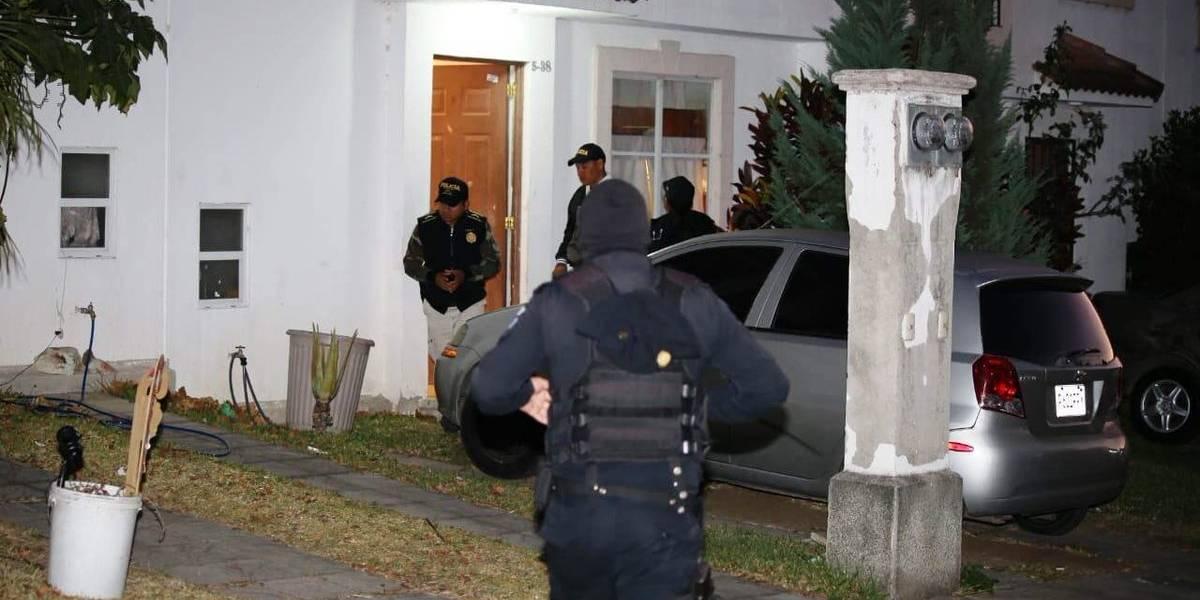 Autoridades realizan operativo contra banda de estafadores