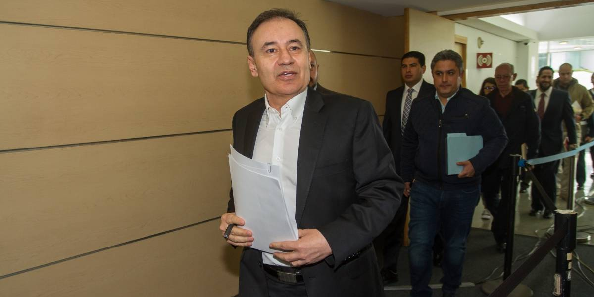 Durazo y abogado de policías reanudan diálogo