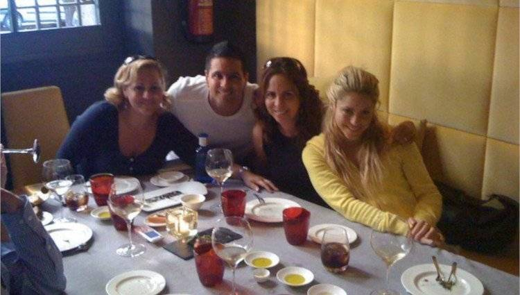 Shakira y sus hermanos
