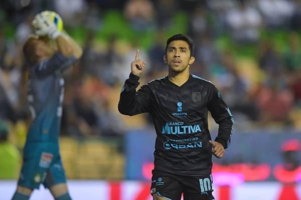 Edson Puch arribó a Santiago para firmar como refuerzo de la UC