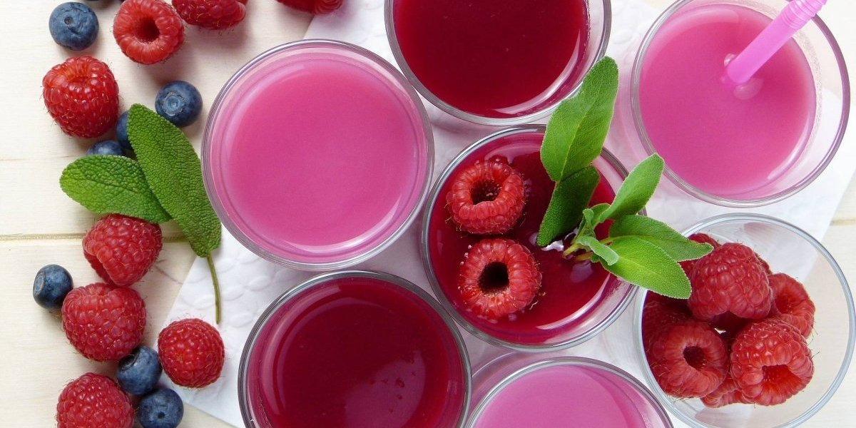 Suco vermelho é rico em antioxidantes e poderoso aliado contra o envelhecimento; confira