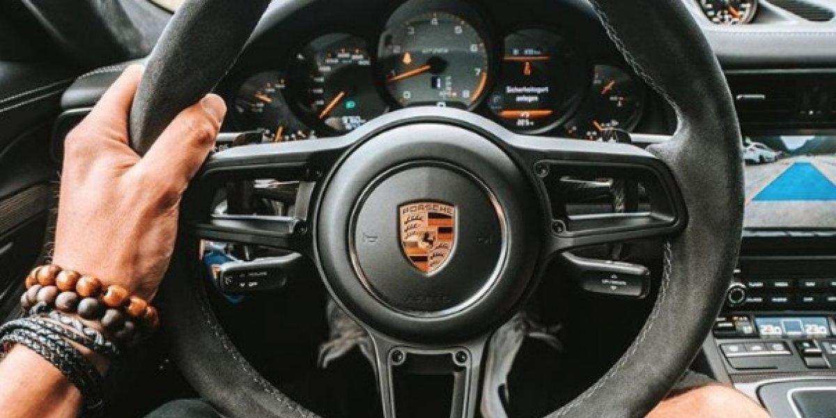 Hombre vendía un Porsche que nunca entregó y ahora está en la cárcel