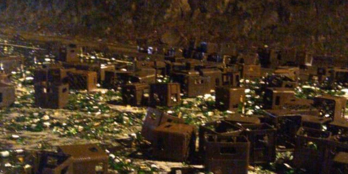 Derrame de cerveza tras accidente de tránsito en la Panamericana Sur