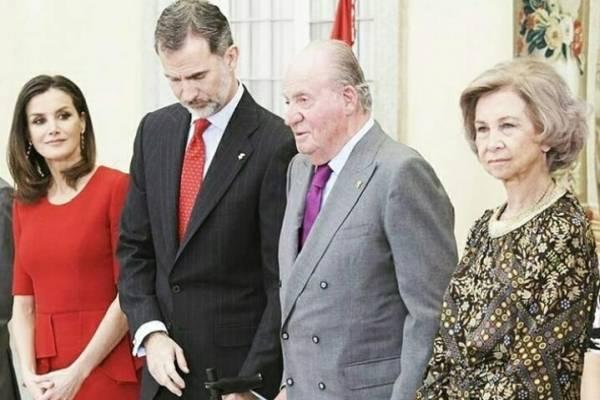 El vestido rojo de Carolina Herrera que la reina Letizia ha repetido 3 veces y le queda fabuloso
