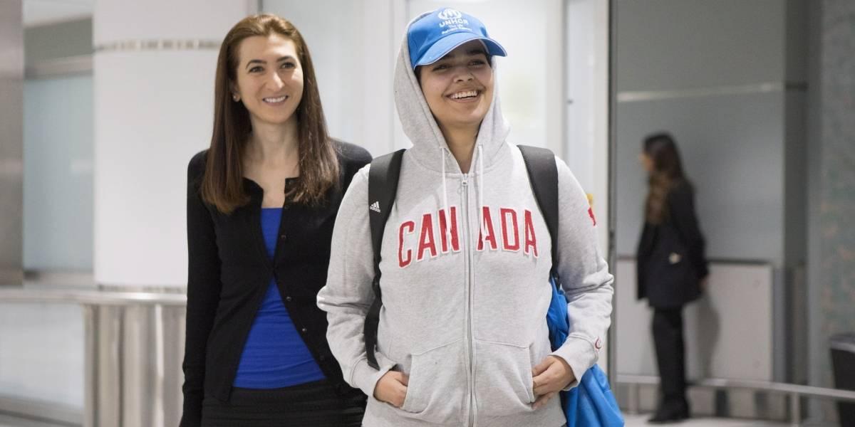 Estaba amenazada de muerte: llega a Canadá joven saudí que huyó de su familia