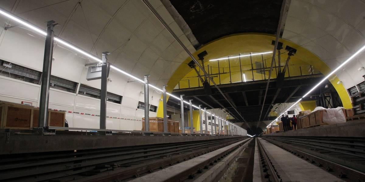 ¿Se suspenderá el corte de cinta? La Reina evalúa retrasar la apertura de Línea 3 hasta que Metro solucione problemas con sus vecinos