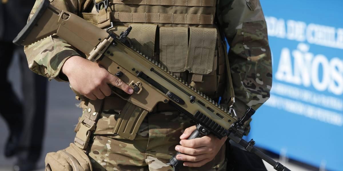 Golpean y roban fusil a centinela de la Fuerza Aérea: los responsables del ataque se encuentran prófugos