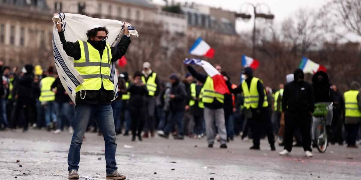 Coletes amarelos voltam às ruas da França pela 9ª vez