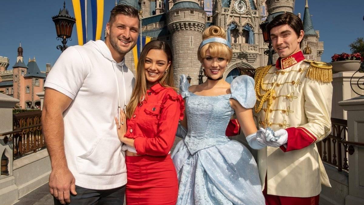 Exm Miss Universo y su pometido en Disney