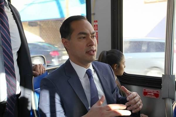 Julián Castro Fue secretario del Departamento de la Vivienda y Desarrollo Urbano.