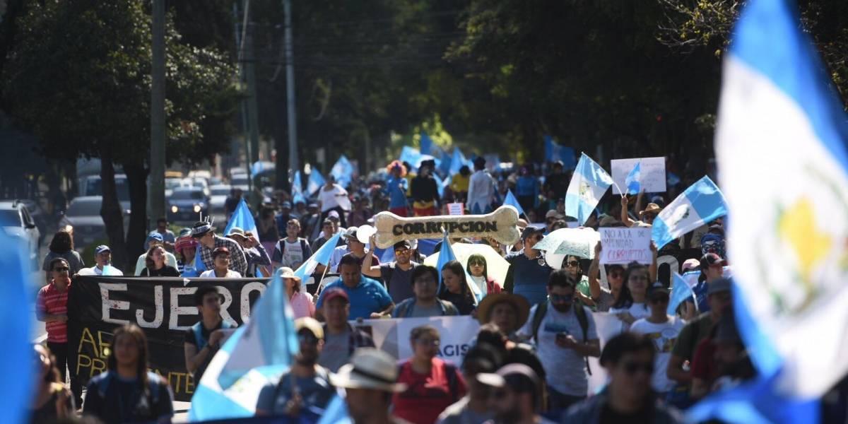 EN IMÁGENES. Del Obelisco al Centro Histórico, guatemaltecos muestran rechazo al gobierno