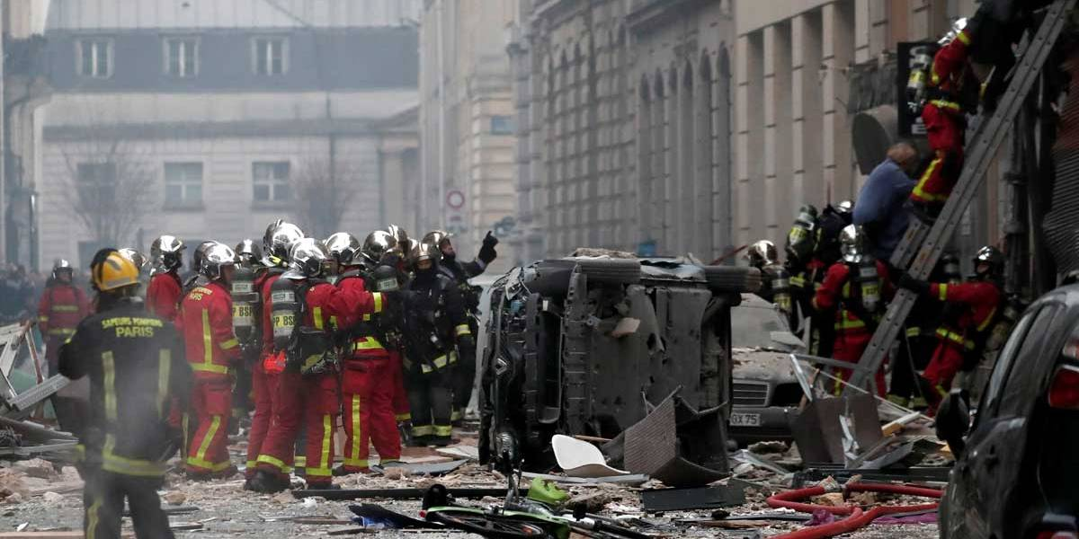Explosão em padaria deixa feridos em Paris