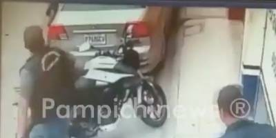 Hombre intentó robar una moto en Amatitlán.