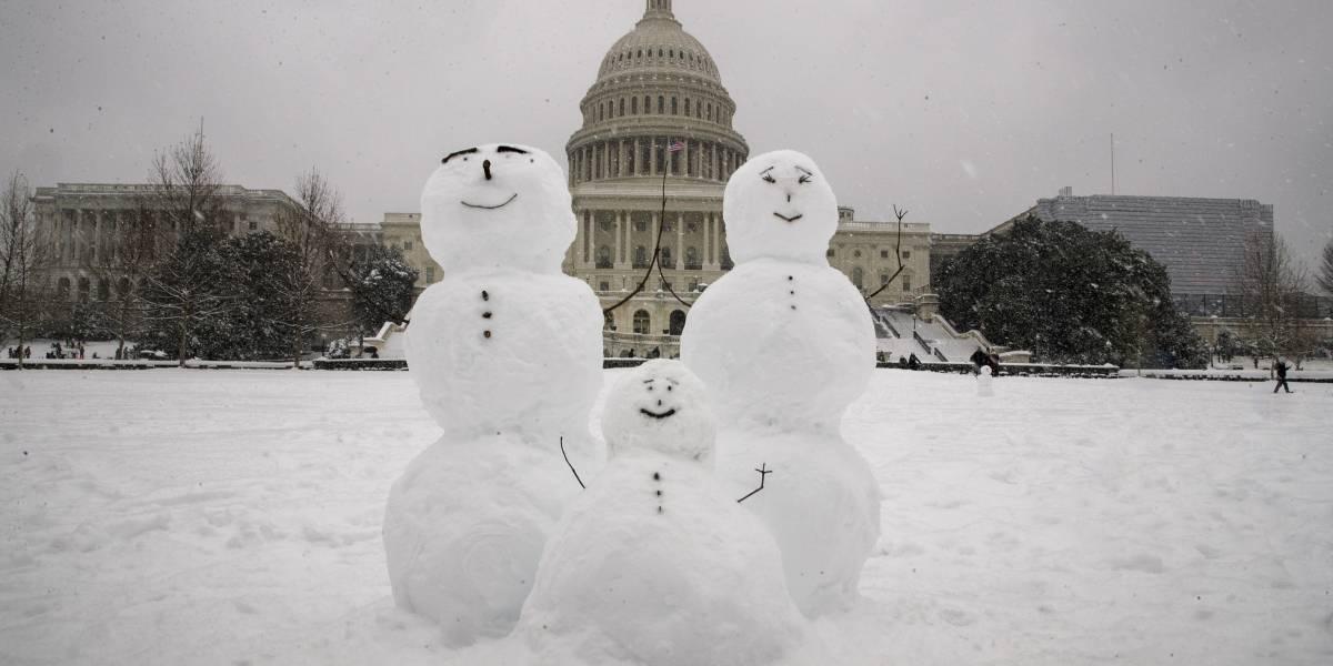 Tormenta de nieve provoca apagones y accidentes en noreste de Estados Unidos