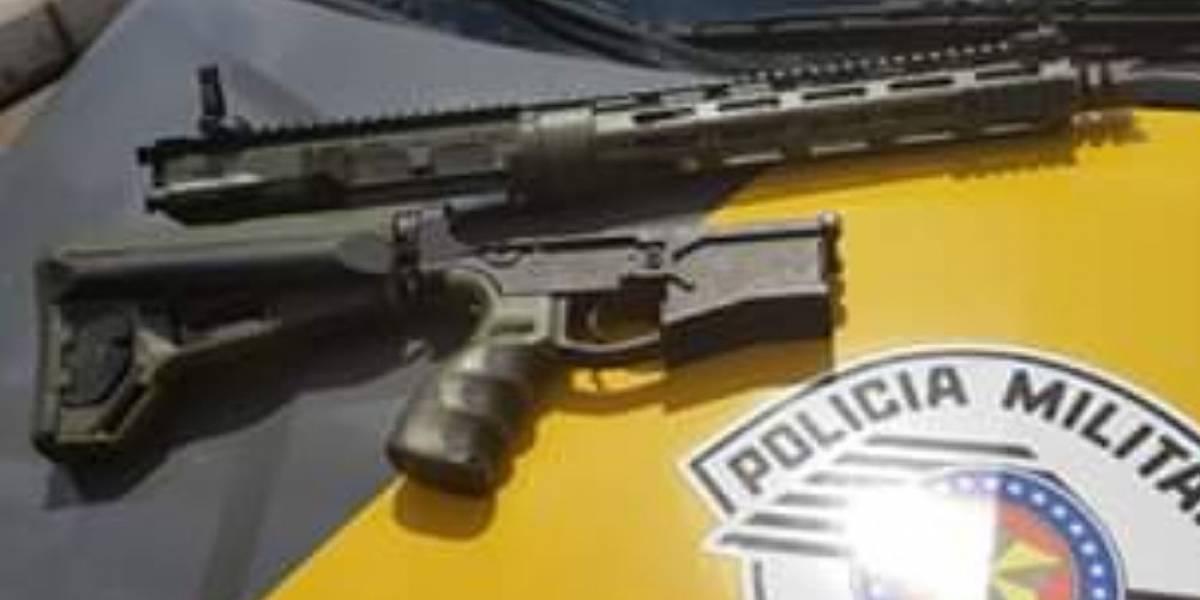 PM prende homem que viajava com fuzil no Rodoanel
