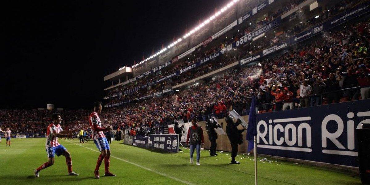 Fallece aficionado del San Luis en el estadio durante partido