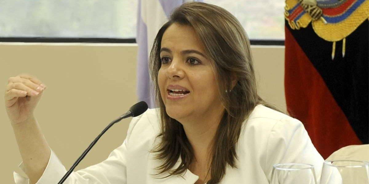 María Paula Romo visitó a policías heridos en operativo antinarcóticos