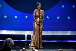 peor vestidos critics' choice awards