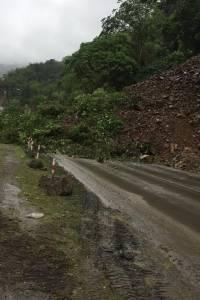 Por más de 18 horas se encuentra cerrada la vía Aloág-Santo Domingo