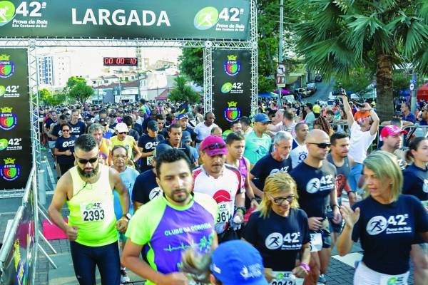 Prova de Reis chegou ontem à sua 42a edição com participação de cerca de 4 mil pessoas, recorde de público