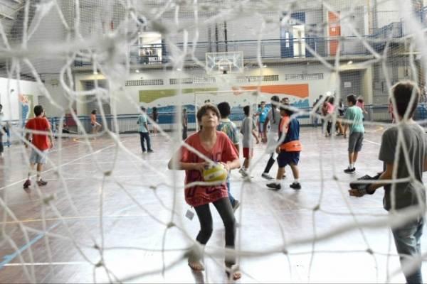 recreio nas férias_ criança_ esporte