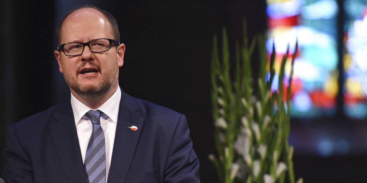 Alcalde polaco muere tras ser apuñalado