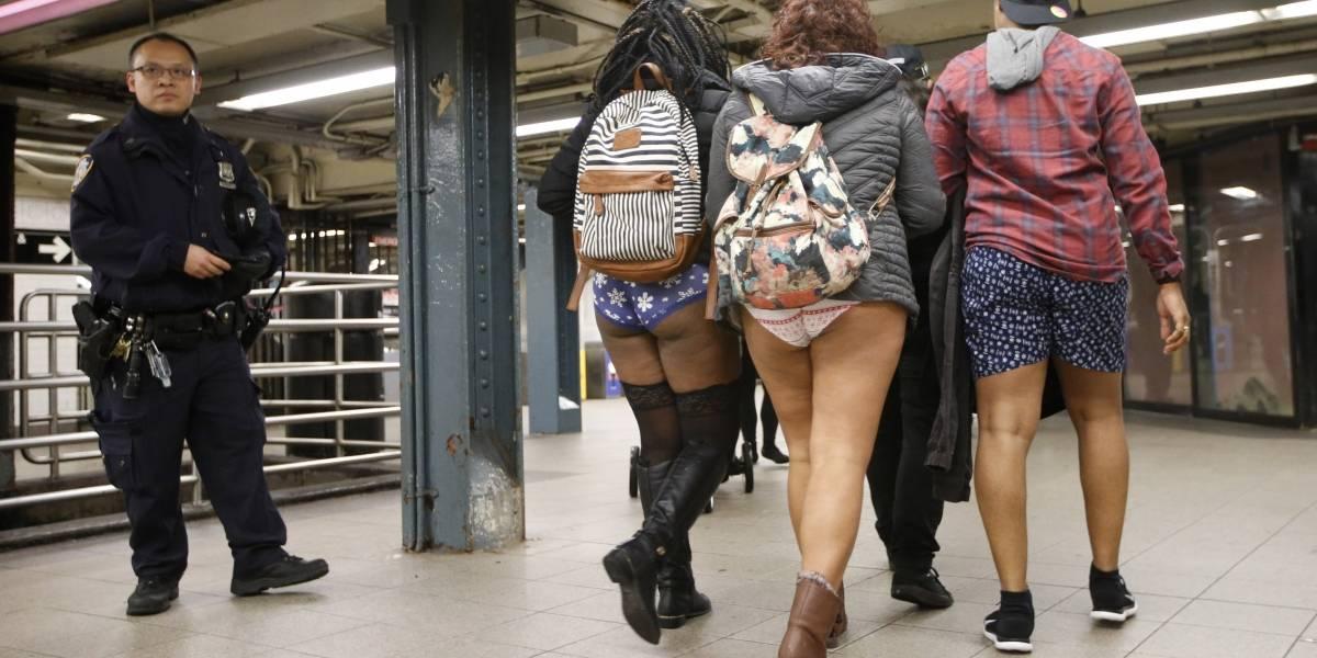 """Pese al frío se realizó con éxito el """"día sin pantalones"""" en el metro de Nueva York"""