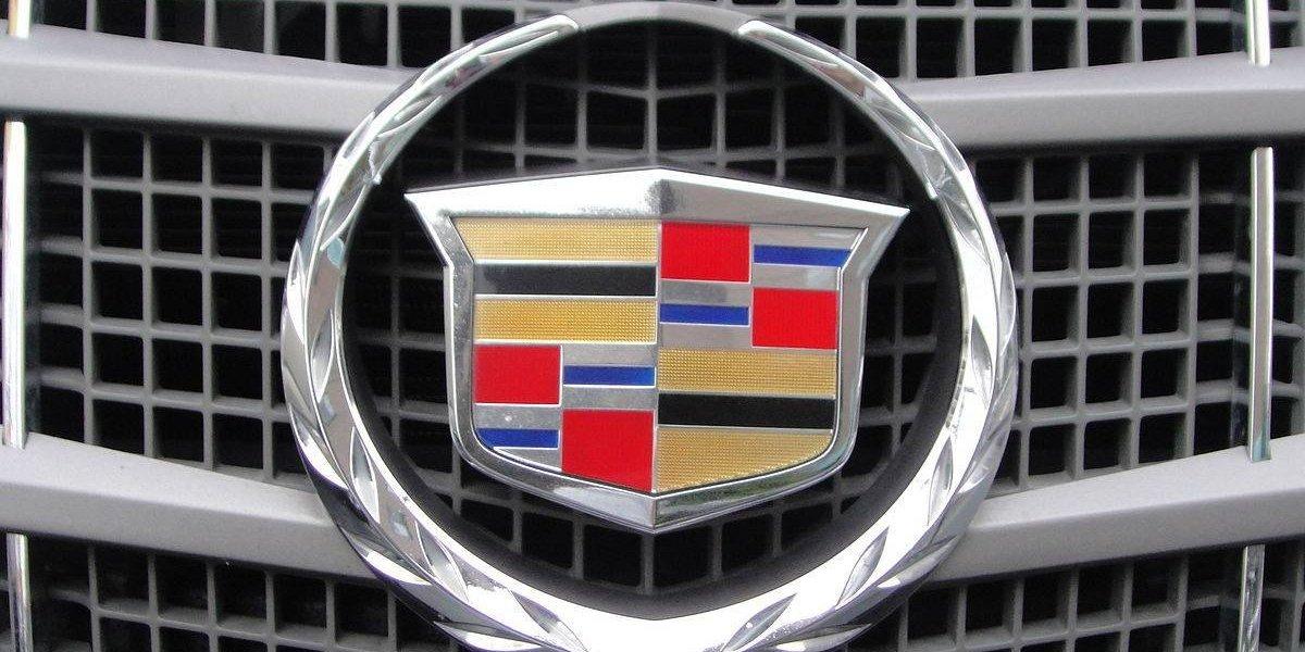 Cadillac divulga fotos do novo carro elétrico que competirá com modelos da Tesla Motors