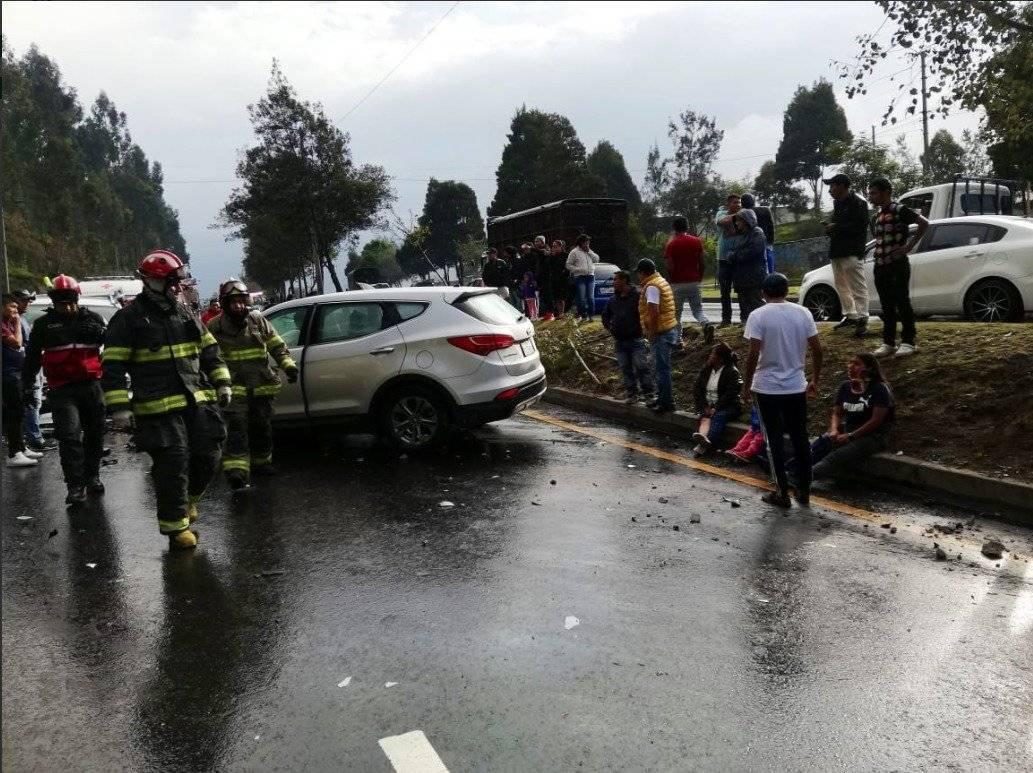 11 heridos tras accidente en la Simón Bolívar ECU 911