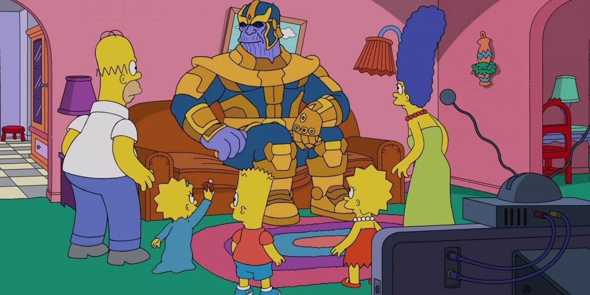 """¿Será una señal? Thanos hace desaparecer a """"Los Simpsons"""" en la clásica escena del sofá"""