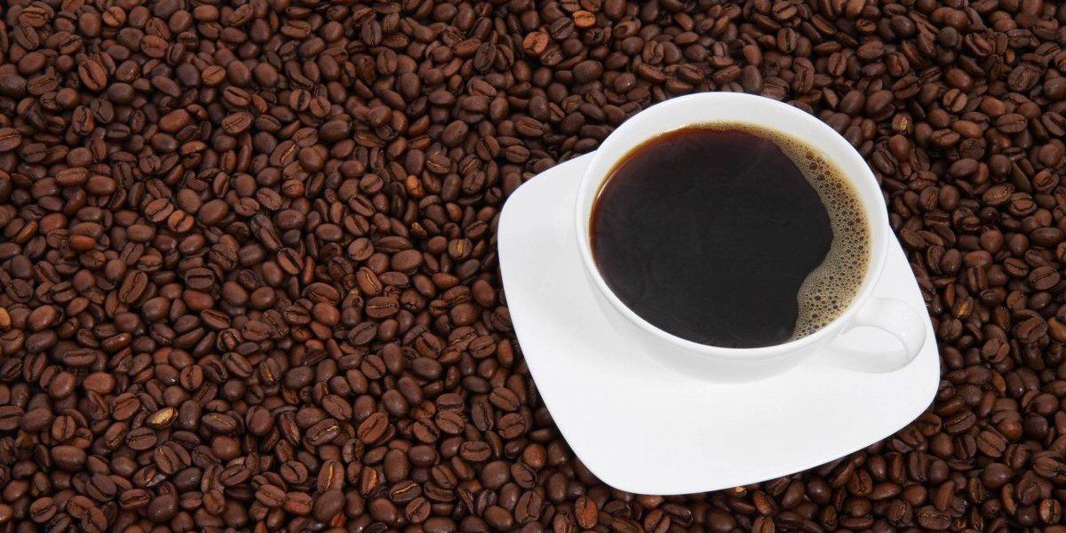 Estudo científico derruba o mito que café diminui os seios e causa câncer de mama