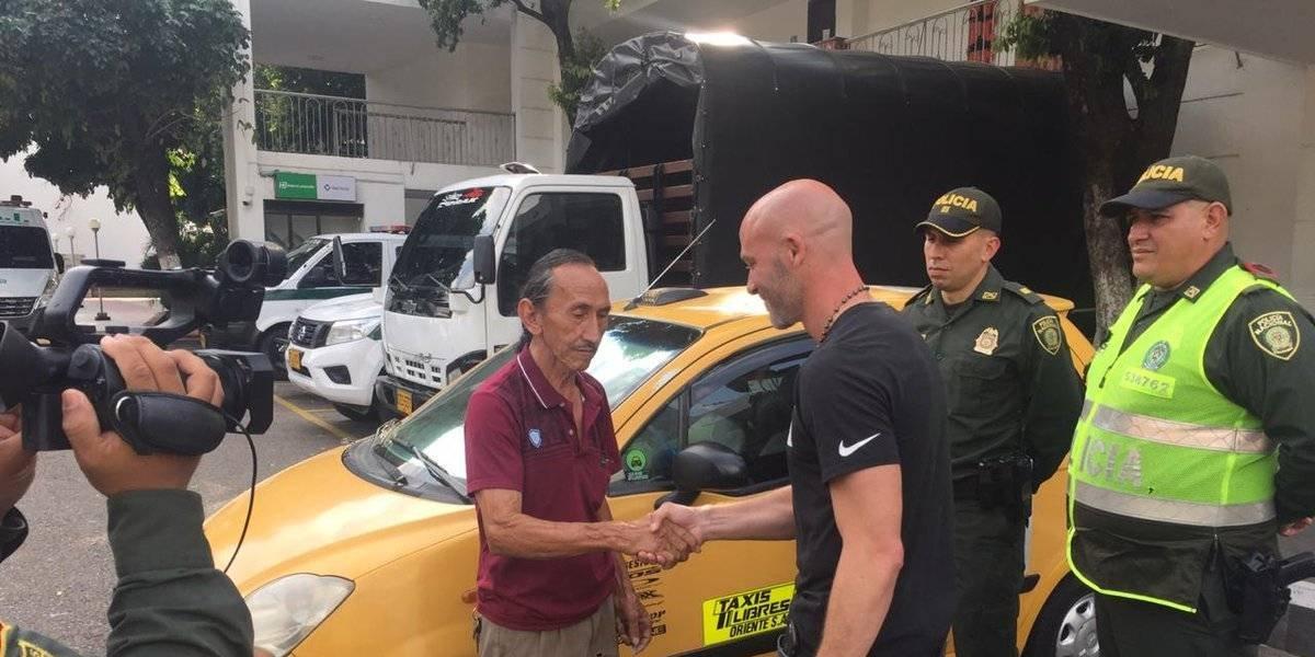 Ex DT de Palestino perdió 2.600 dólares y los recuperó gracias a un taxista