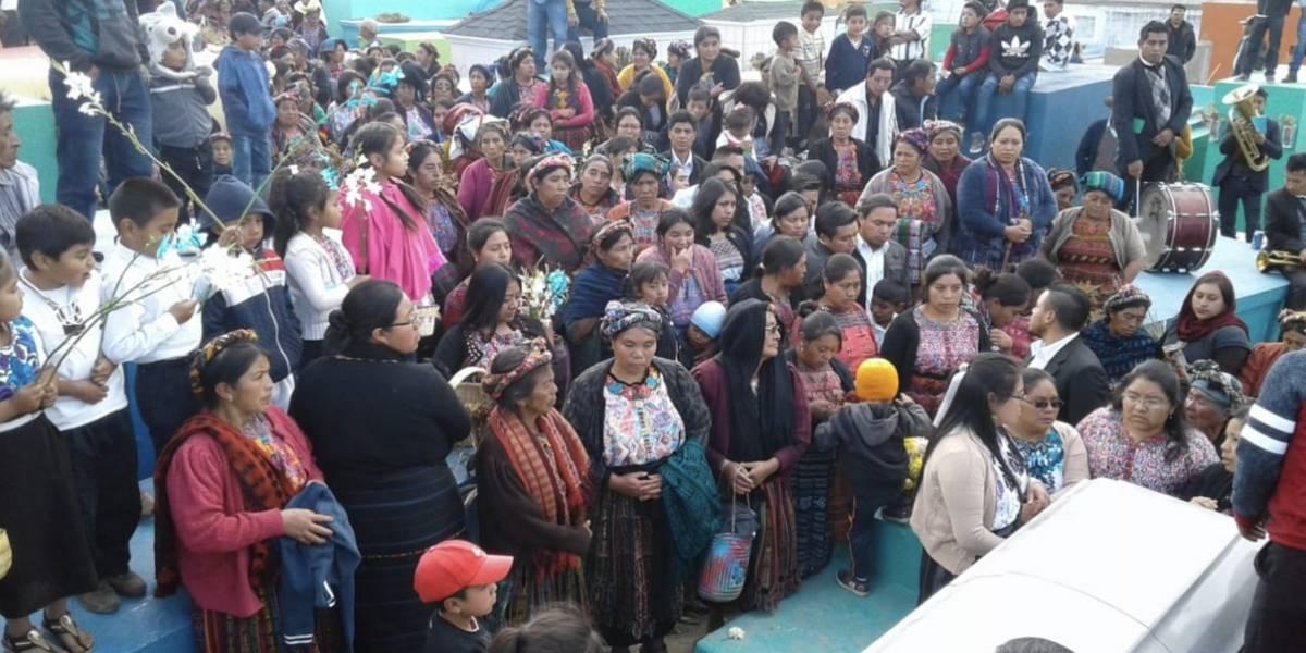 Despiden con música de banda a niño guatemalteco que murió en incendio en EE. UU.