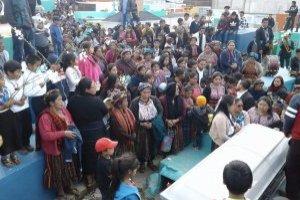 Sepelio de niño guatemalteco que murió en incendio en Estados Unidos