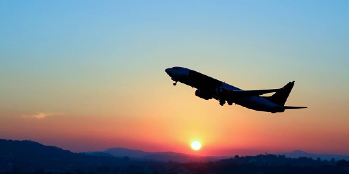 Pagaron más de un millón de pesos por los pasajes: familia voló sentada en el piso de un avión ya que sus asientos no existían