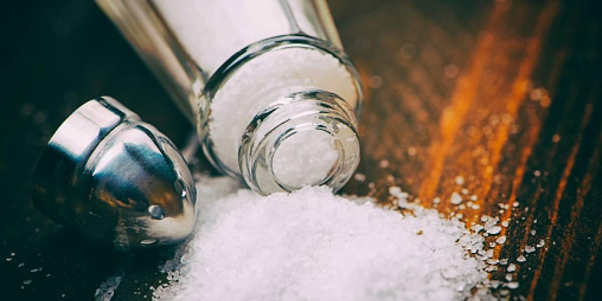 """""""Si me quisieras, usarías más sal"""": hombre alegó a su esposa por el poco sabor de la comida y ella se """"vengó"""" de salvaje manera"""