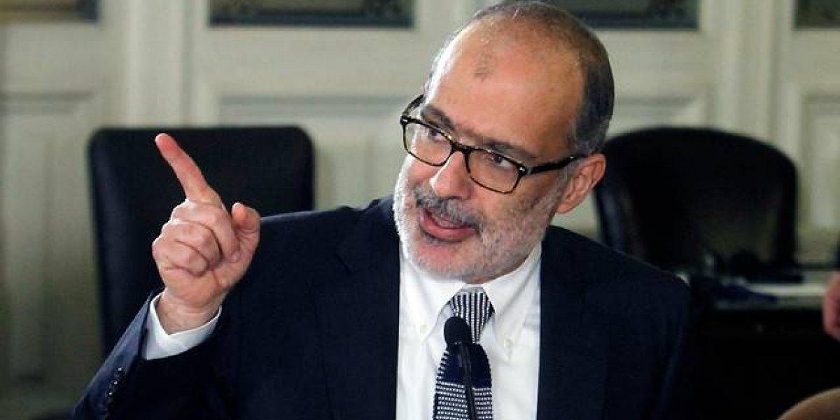 """No me ayude tanto: ministro de Hacienda de Bachelet afirma que es """"bien poco realista"""" que ex Presidenta llegue a liderar el Banco Mundial"""