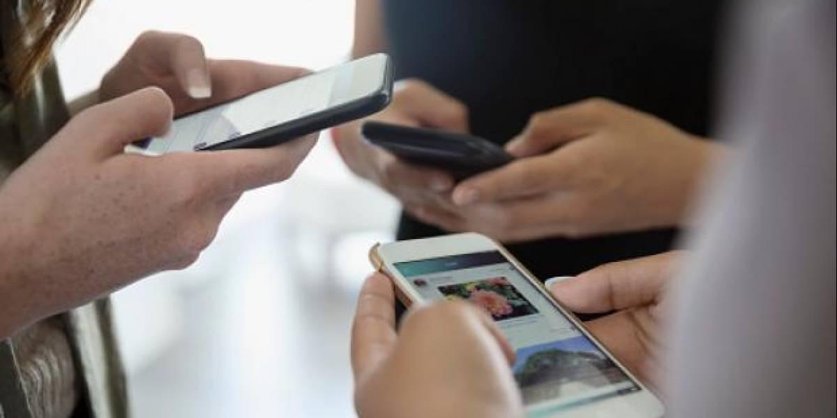 Ya perdí: empresa estadounidense premiará con 100 mil dólares a cualquiera que no use ningún celular por un año