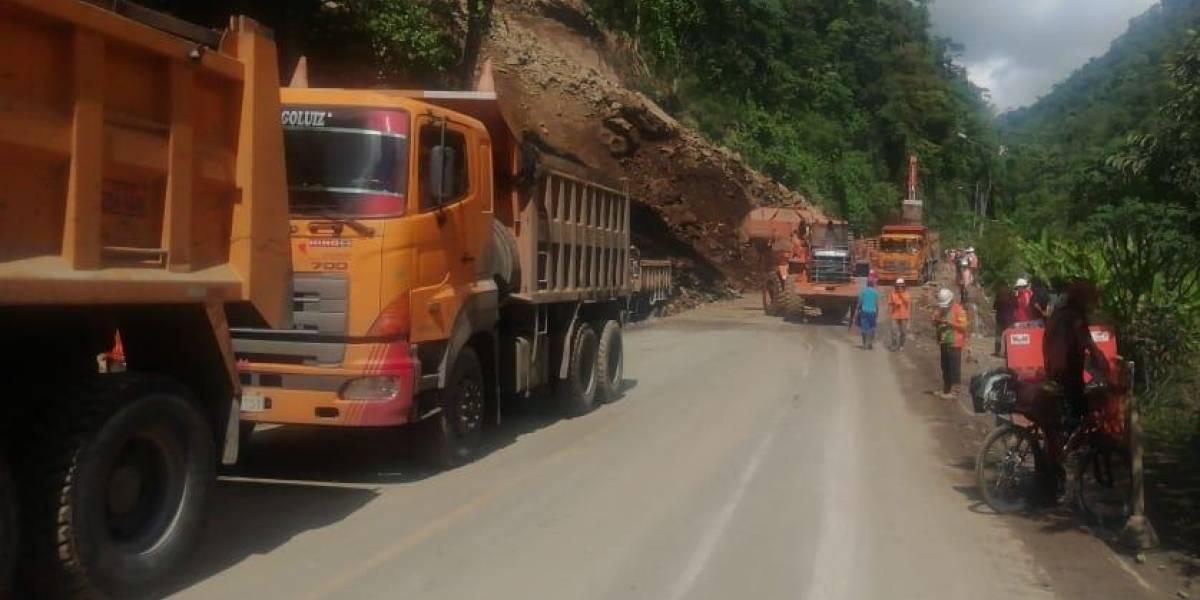La vía Alóag- Santo Domingo se encuentra parcialmente habilitada
