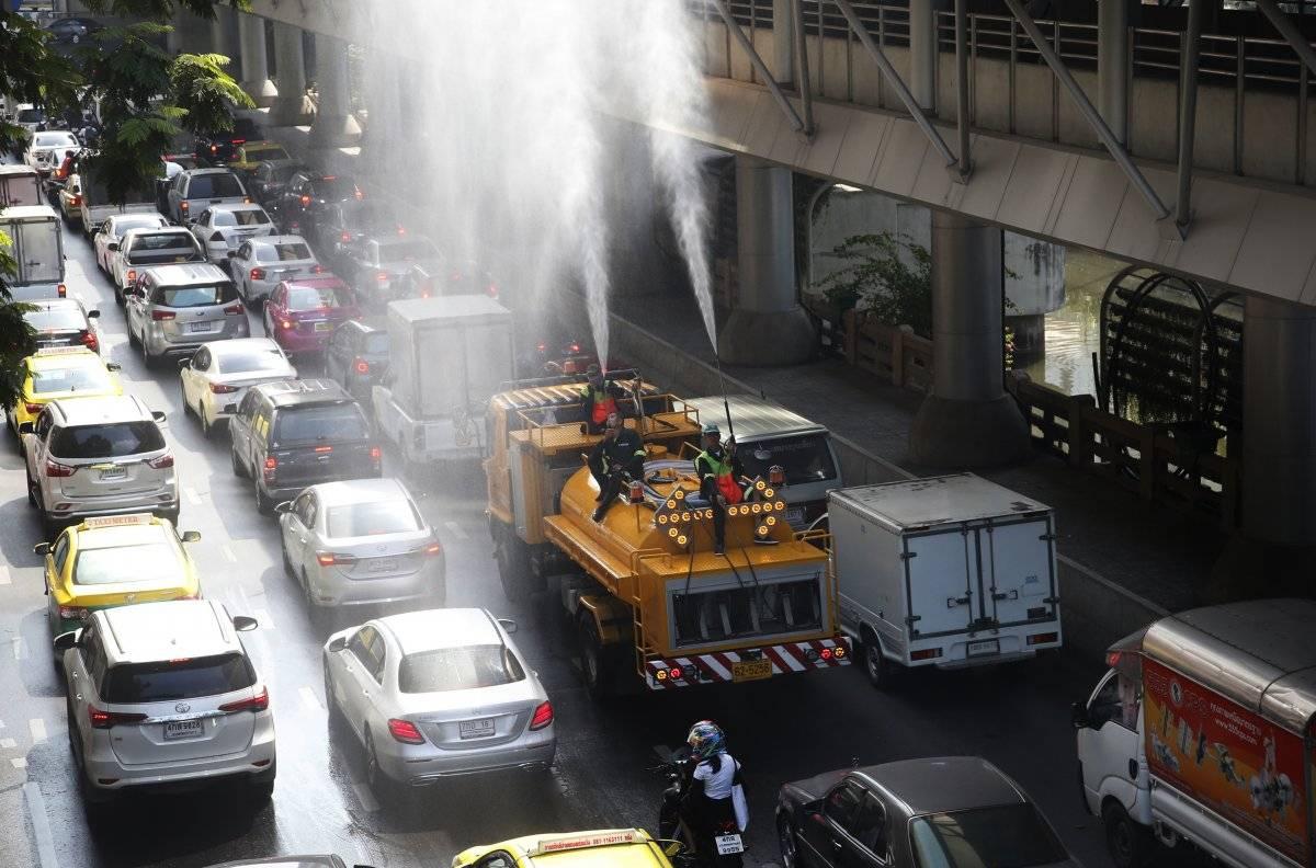 Lluvia artificial en Bangkok, Tailandia