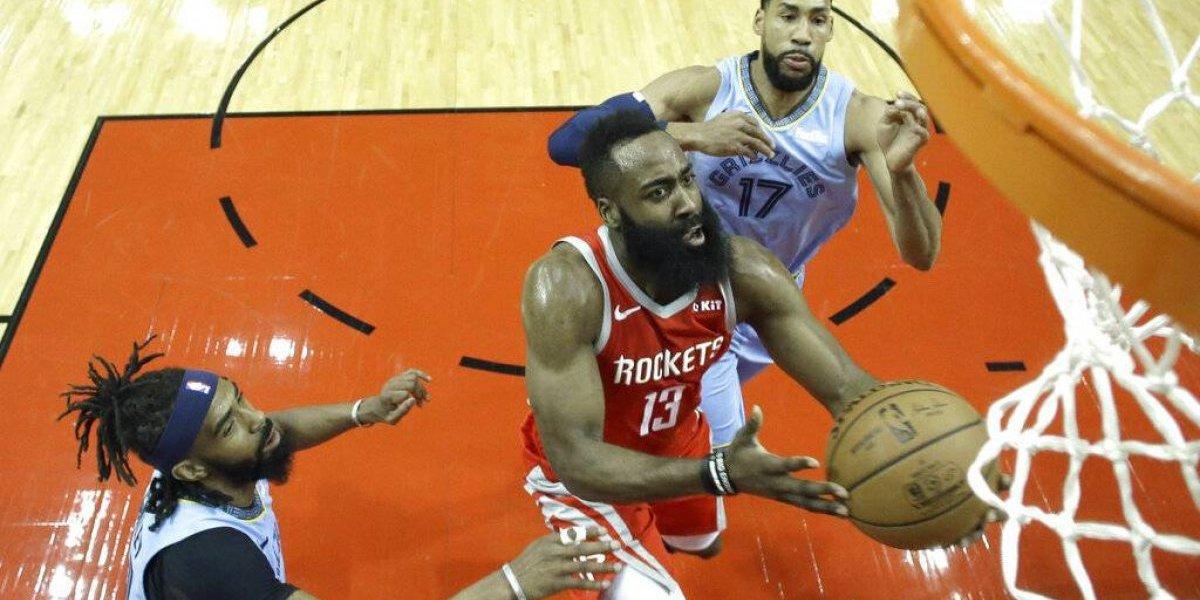 James Harden anota 57 puntos en victoria de los Rockets