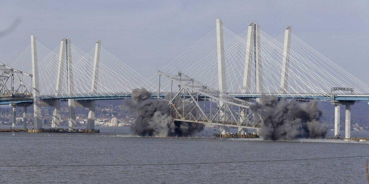 Partes del puente Tappan Zee caen al Hudson tras detonación