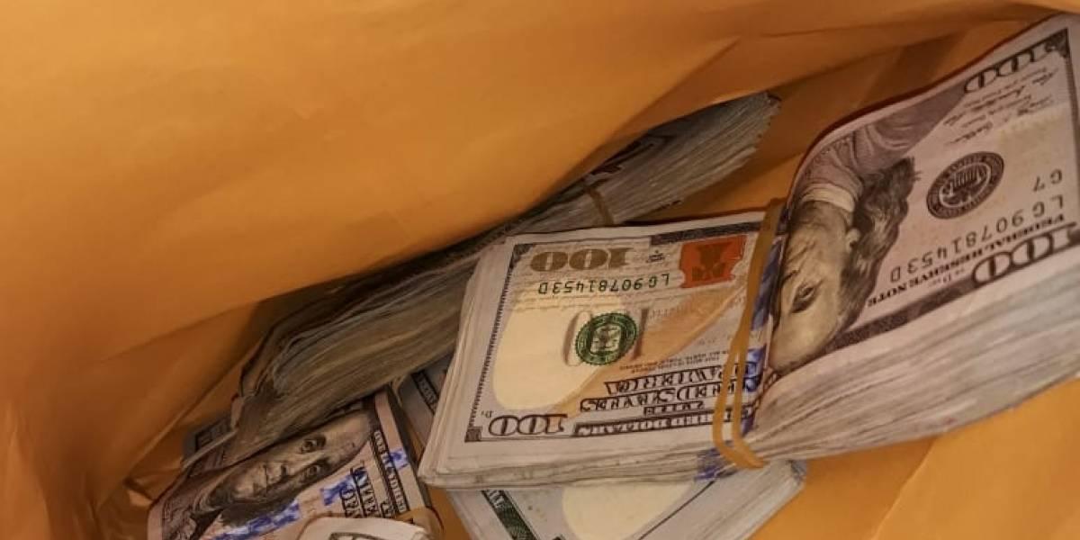 Procesan a detenido en el aeropuerto La Aurora con dólares sin declarar