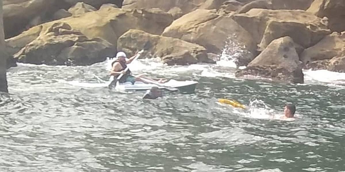 Canoístas em perigo são resgatados no Guarujá