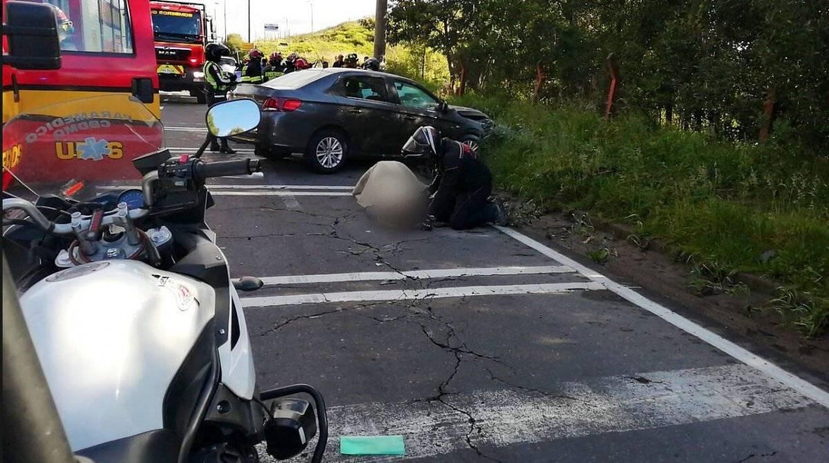 Fatal accidente de tránsito en la avenida Simón Bolívar, sector de El Troje BOMBEROS QUITO