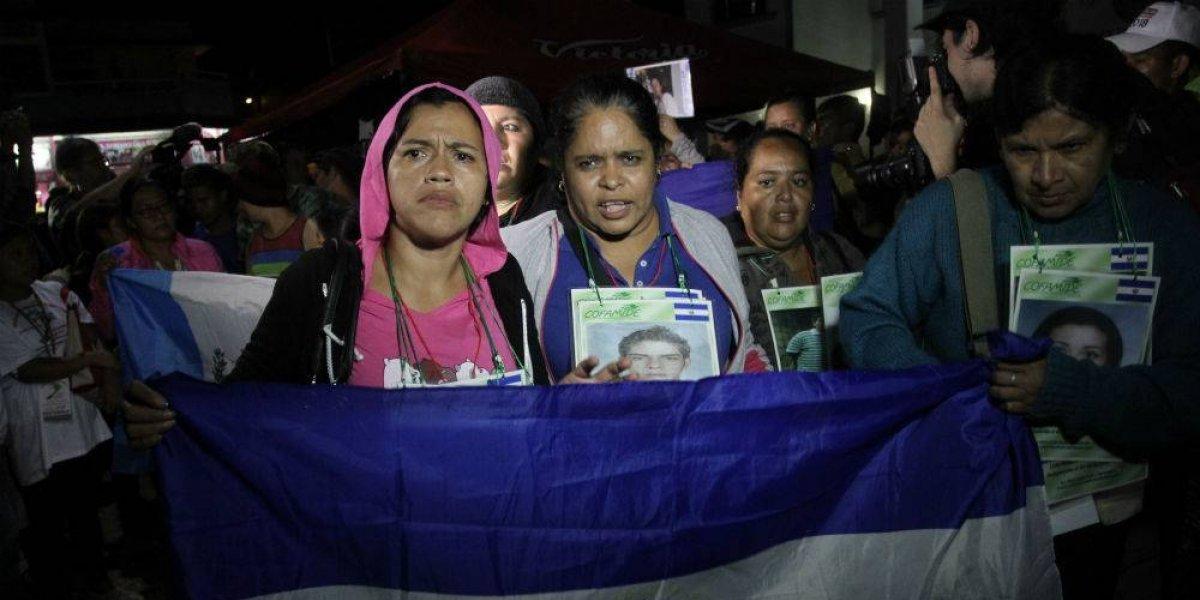 Más de 500 hondureños parten en nueva caravana migrante