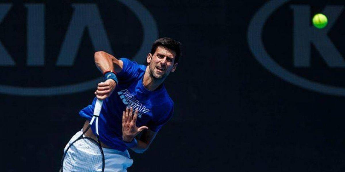 Novak Djokovic da un sólido primer paso en el Abierto de Australia